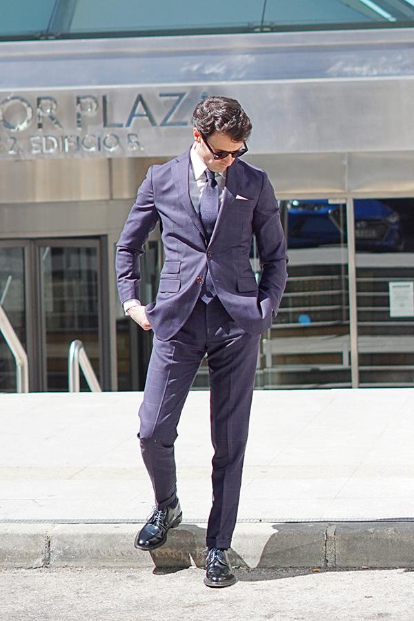 elegant suit for men