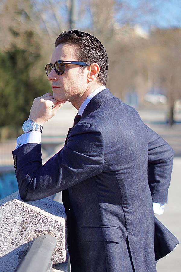 traje azul para hombre