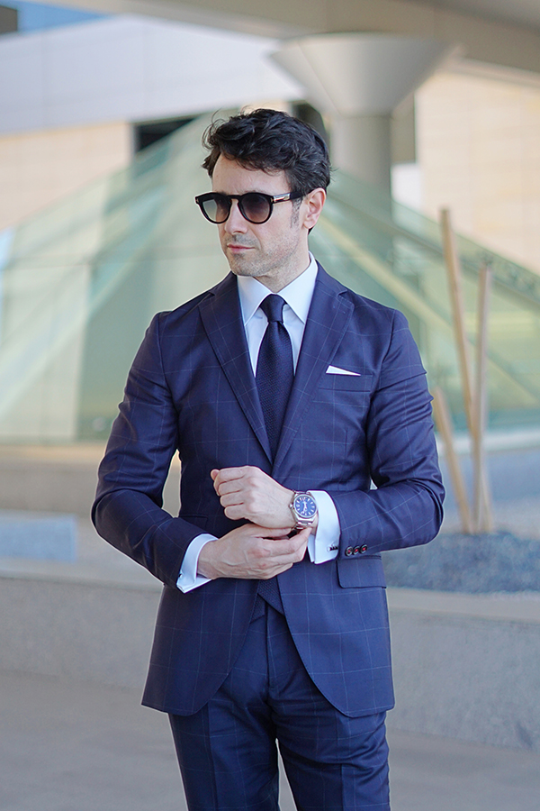 traje de cuadros azul para hombre