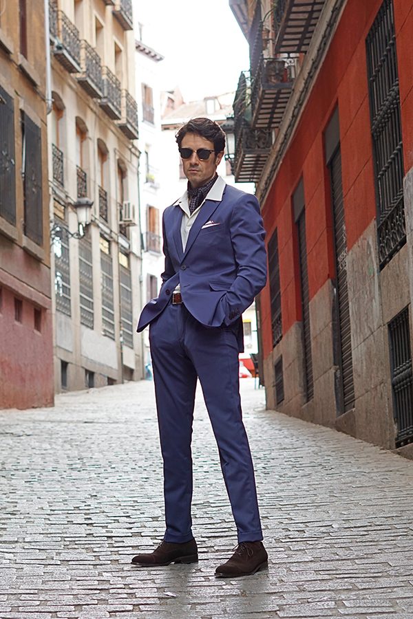 blue suit style for men
