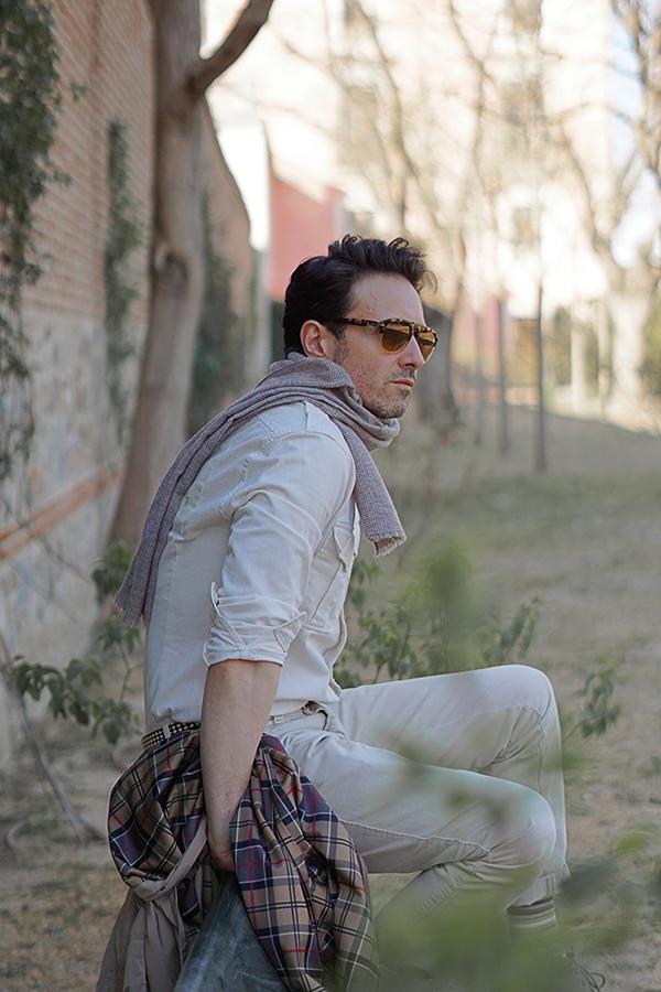 desert outfit man