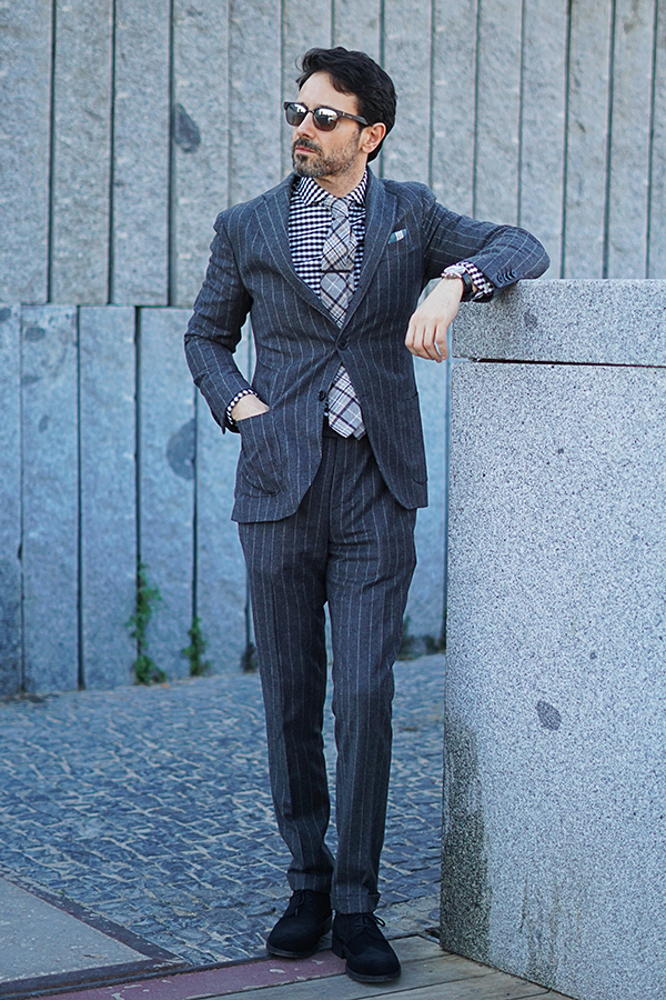 grey suit style for man