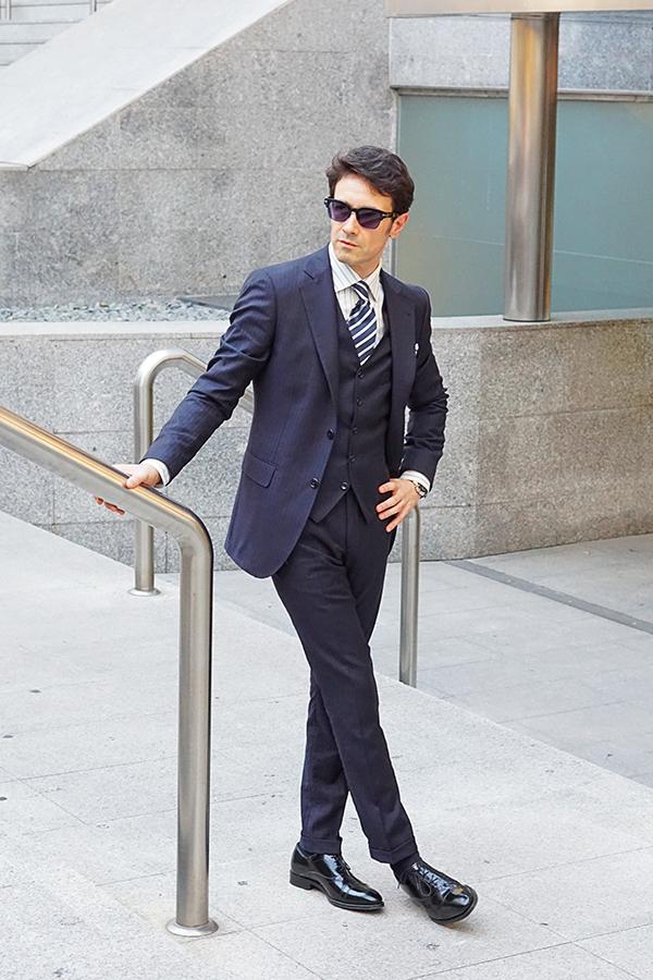 ideas de traje azul para hombre