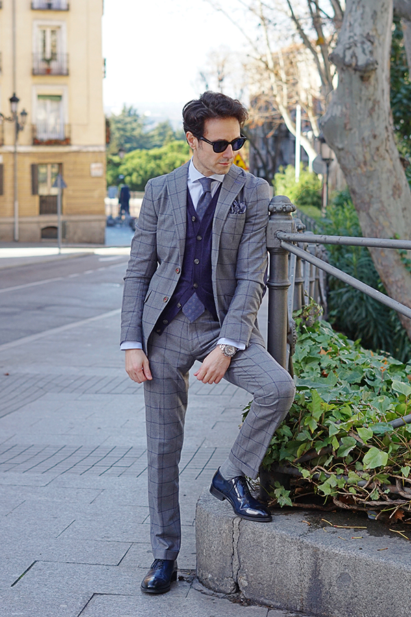 grey suit outfit men