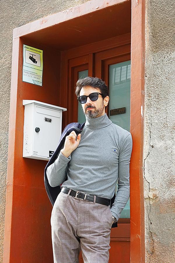 grey turtleneck sweater for men