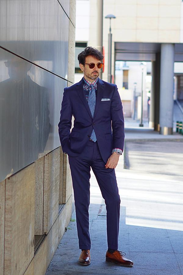 blue suit style for men